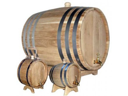 Barrels to store and vat beverages