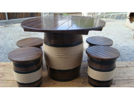 Комплект мебели из дуба (стол + 4 стула)